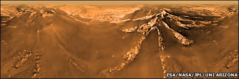 Aerial view of Titan (Esa/Nasa/JPL/University of Arizona)