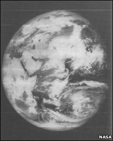 First picture of the whole Earth (taken by Lunar Orbiter V)