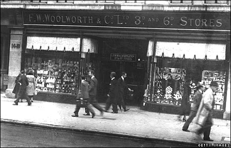 Woolworths store in Holborn, London, in 1925