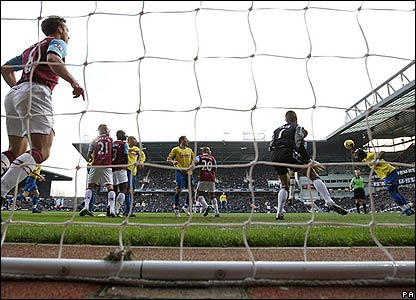 Faye heads Stoke in front
