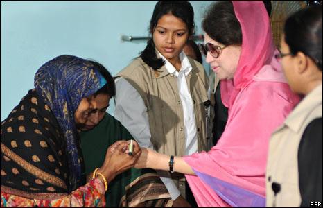 Khaleda Zia of the Bangladesh Nationalist Party .