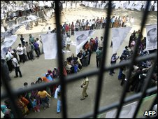 Queuing voters in Bangladesh