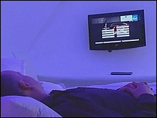Steve Rosenberg in German hi-tech hotel room
