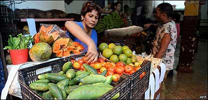 Tienda de fruta en La Habana, Cuba