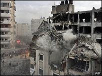 Edificio en la Franja de Gaza destruido por los ataque aéreos