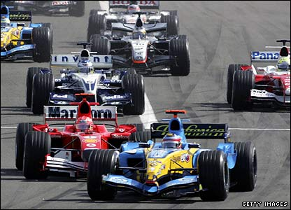 Fernando Alonso leads the pack at the 2005 Bahrain Grand Prix