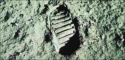 Huella de la pisada en la Luna de uno de los astronautas de la misión Apolo 11 de 1969