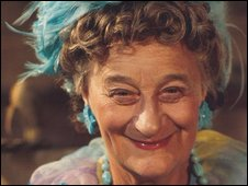 Liz Smith in 2 Point 4 Children