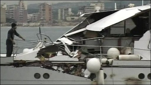 http://newsimg.bbc.co.uk/media/images/45335000/jpg/_45335193_boat_damage.jpg