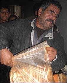 Hossein Saad, Palestinian resident