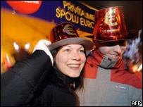 Elovacos festejan la entrada del euro.