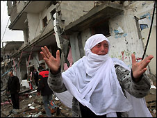Palestinian woman in Rafah refugee camp in souther Gaza Strip - 1/1/2009