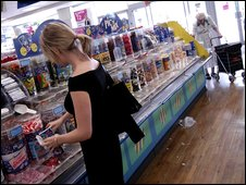 Customers buying pic 'n' mix from Woolworths in Islington in 2003