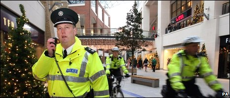 Police in Belfast shopping centre