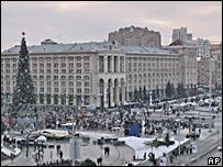 Площадь Независимости в центре Киева во время новогодних праздников