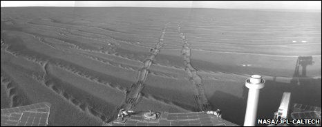 Rover tracks (Nasa)