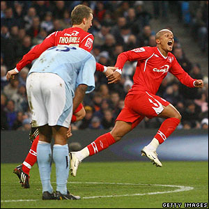 Robert Earnshaw celebrates giving Forest a 2-0 lead