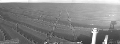 Huellas dejadas por el vehículo explorador (NASA)