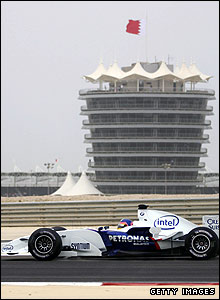 neuve drives round the Sakhir circuit