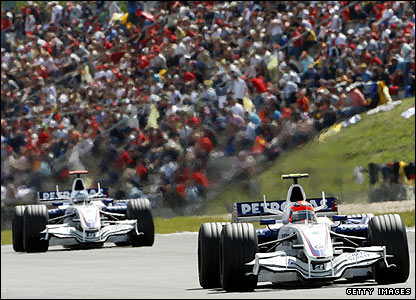 Robert Kubica and Nick Heidfeld drive in the 2007 European Grand Prix