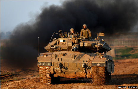 An Israeli tank near the Gaza Strip