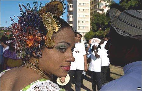 Cuban dancers in Havana