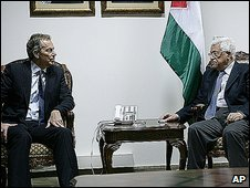 Tony Blair with Palestinian president Mahmoud Abbas