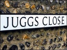 Juggs Close sign