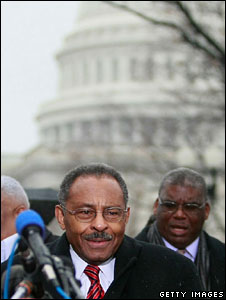 Roland Burris speaks outside the Capitol, 6 Jan 2009