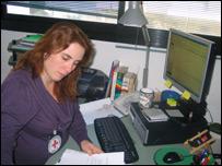 Yael Segev,  Cruz Roja Internacional