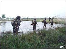 Sri Lankan troops near Elephant Pass, army pic released 7 Jan