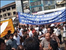 Protesting journalists in Sri Lanka