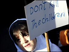 Iranian girl at anti-Gaza conflict demonstration in Tehran - 2/1/2009