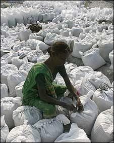 Embankment worker in Bihar
