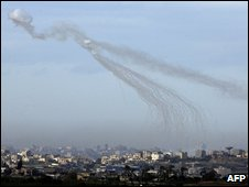 Artillery shell explodes over Beit Hanoun in north of Gaza Strip - photo 9 January