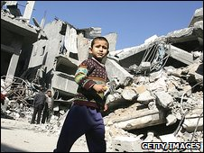 Palestinian boy in Jabalia refugee camp, Gaza Strip (09/01/2009)