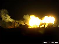 Tanques israel�es en un bombardeo en Gaza