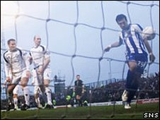 Manuel Pascali scores for Kilmarnock