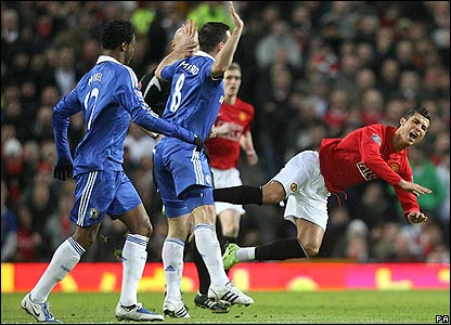 Ronaldo gets tripped by Lampard