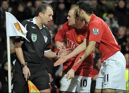 Man utd's players protest