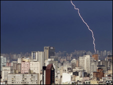 Lightning strike in Sao Paulo in 2005