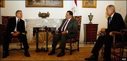 Tony Blair, Hosni Mubarak y Ahmed Abul Geit