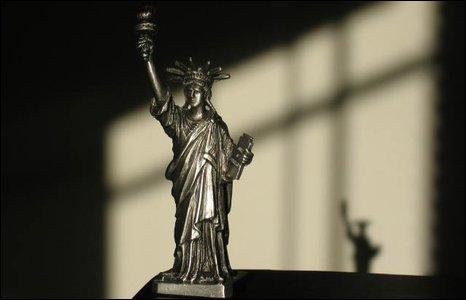 Miniature statue of liberty