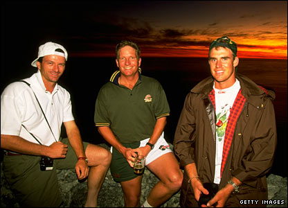 Matthew Hayden (right) at Table Mountain in South Africa with Steve Waugh and Ian Healy