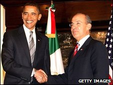 Barack Obama (L) meets Felipe Calderon at the Mexican Cultural Institute in Washington DC, 12 January 2009