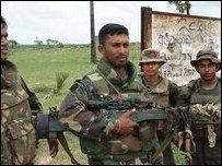 جنود الجيش السريلانكي
