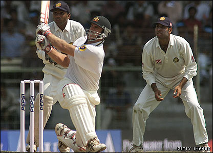 Mathew Hayden bating in India