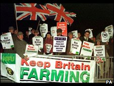 British farmers protesting against French lorries in 1999