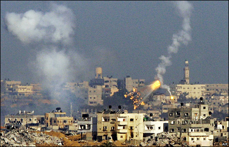 Israeli shells explode over Gaza City
