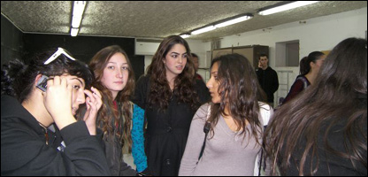 Alumnas en el refugio